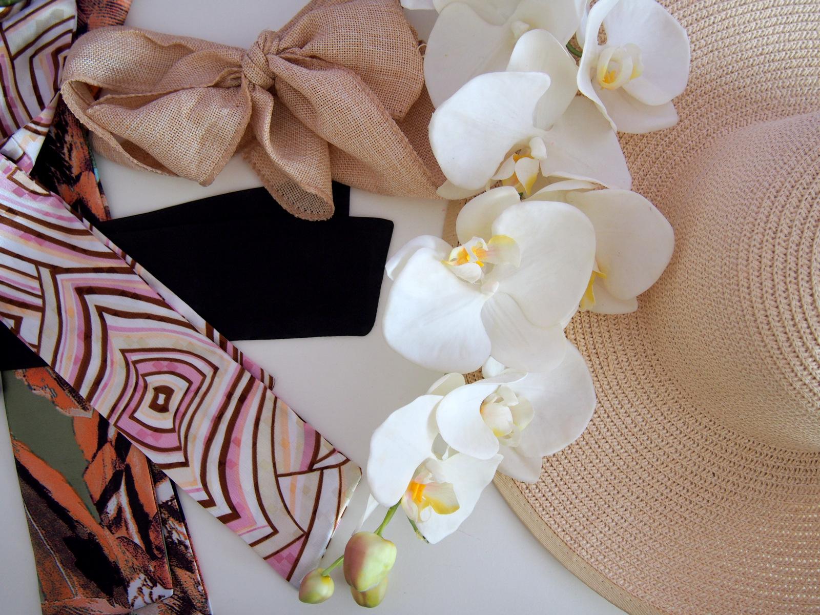DIY: summer straw hat decor