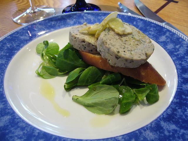 terrine de maquereaux fumés (mackerel) fines herbes, fromage crémeux, sans gluten
