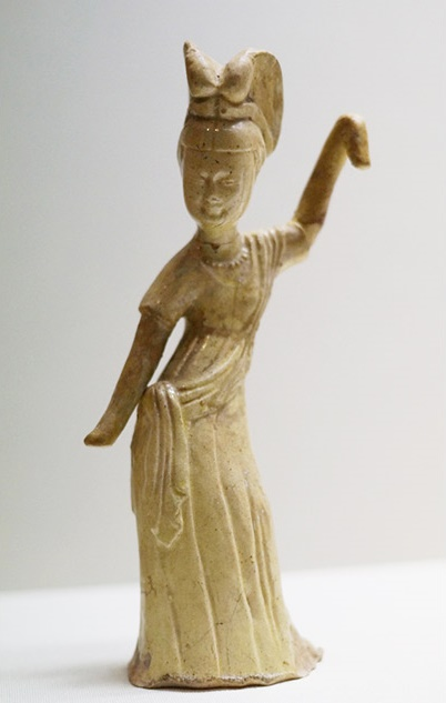 Pottery figurines showcase women's lives in ancient China