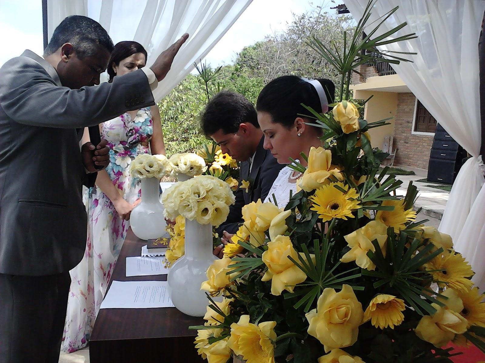 1202707ba4c3f O local escolhido para o casamento foi o Pousada e Restaurante Parâmico no  Cabo de Santo Agostinho, com vista para bela Praia de Calhetas.