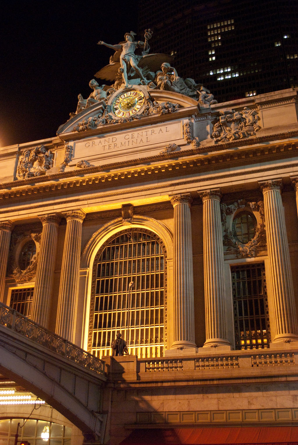 grand central terminal station night new york