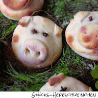 http://inaisst.blogspot.com/2014/12/glucks-hefeschweinchen-furs-neue-jahr.html