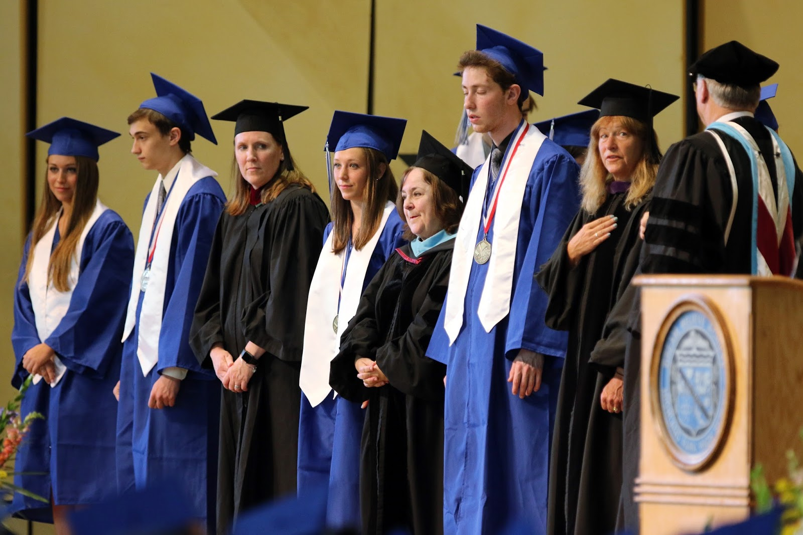 What To Bring To A High School Graduation Ceremony