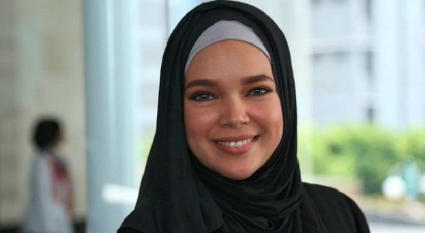 Begini Kegiatan Dewi Sandra Selama Bulan Ramadhan