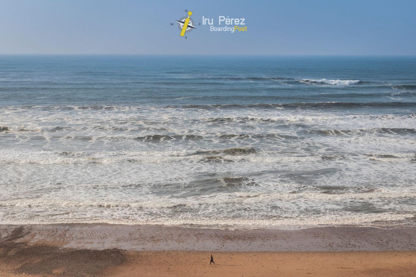 Olas para surf en Sidi-Ifni, Marruecos