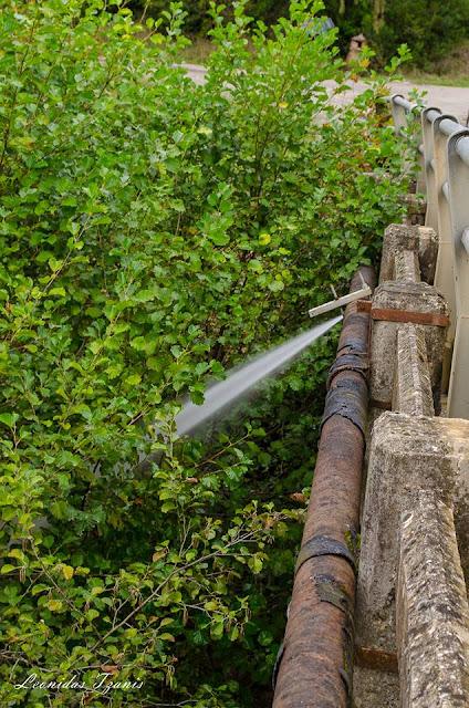 Θεσπρωτία: Σπασμένος αγωγός ύδρευσης στη γέφυρα της Μενίνας (ΦΩΤΟ+ΒΙΝΤΕΟ)