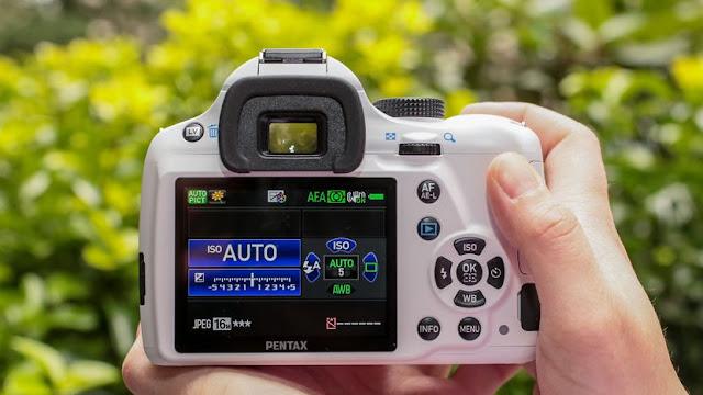 3 Referensi Kamera DSLR Pentax