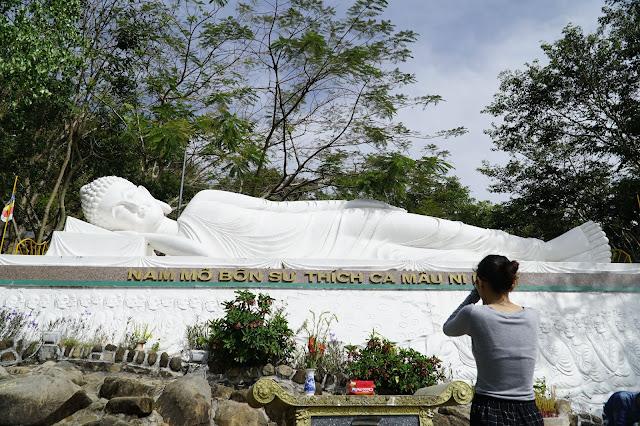 Phật Nằm ở đỉnh cao nhất của ngôi chùa