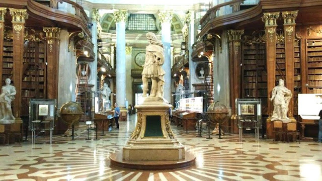 Österreichische Nationalbibliothek Wien www.nanawhatelse.at