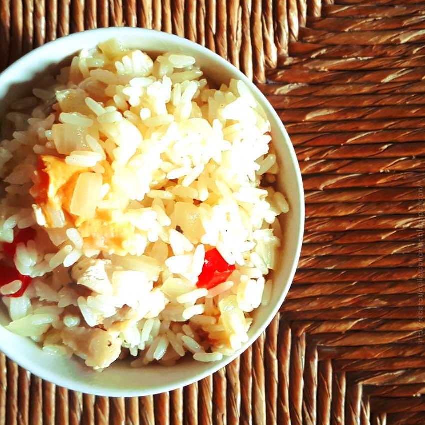 arroz frito con pollo
