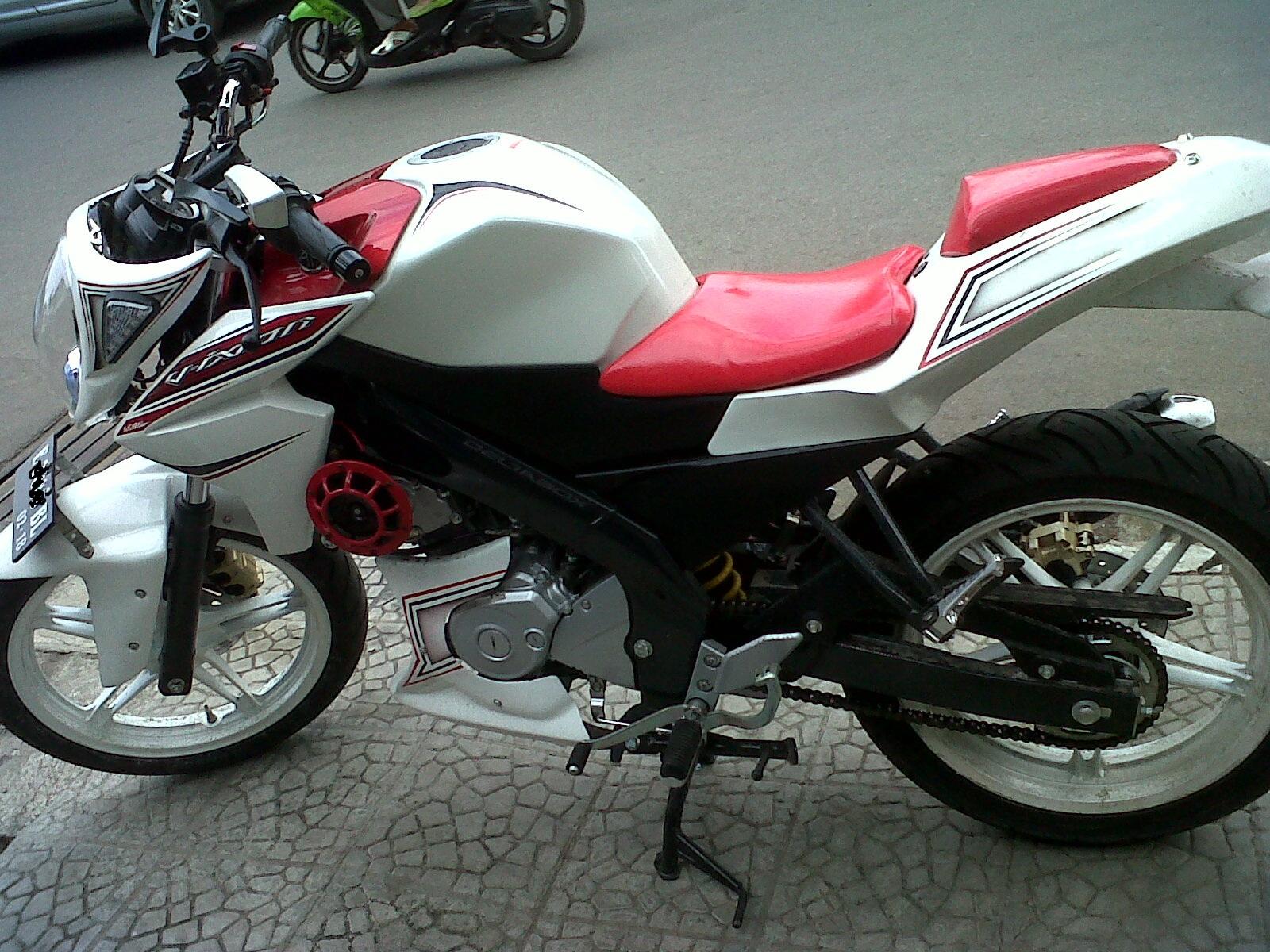 Download Koleksi 59 Modifikasi Motor Vixion 2014 Putih Terbaru