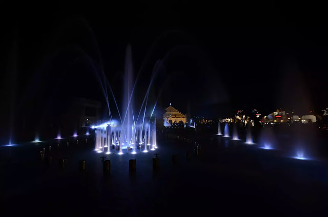 8 Plaza Salcedo Dancing Fountains