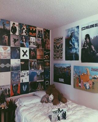 decoracion de recamara con afiches tumblr juvenil
