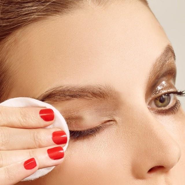 The Best Eye Makeup Removers - Beauty tips Advisors
