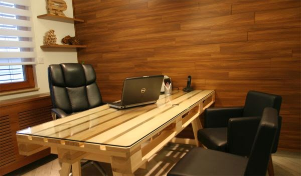 Do It Yourself Home Decorating Ideas: DIY Pallet Office Desk