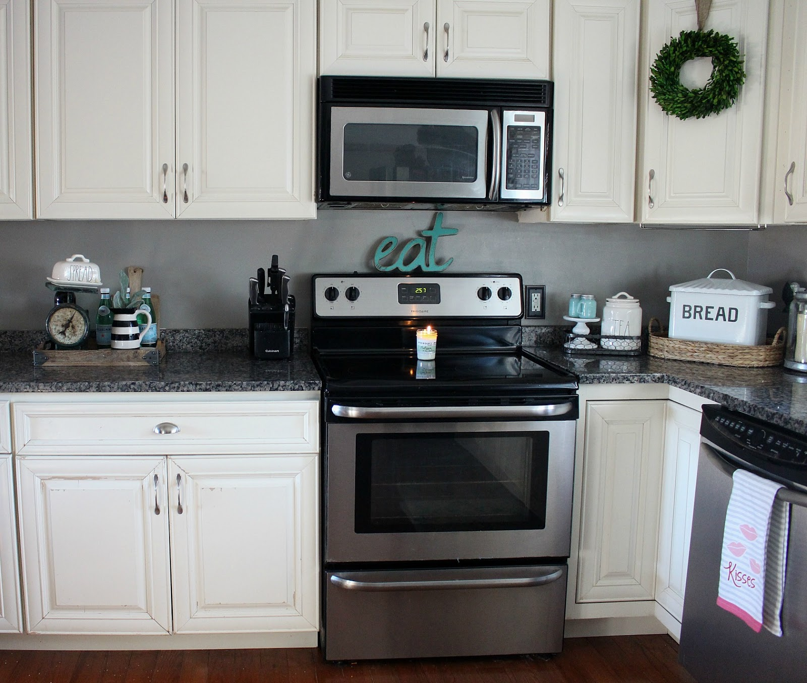 The Glam Farmhouse: How To Upgrade Your Kitchen With $40