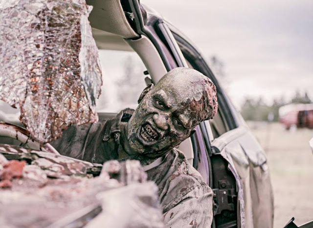 """Z Nation S05E01 """"Welcome to the Newpocalypse"""""""