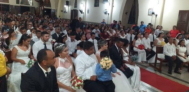Celebração marca matrimônio de 20 no município de Ourém