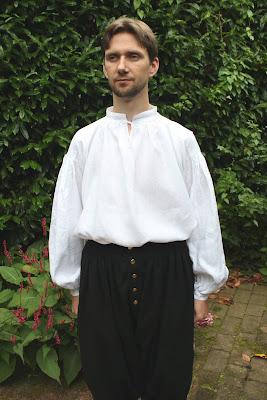 http://misshendrie.blogspot.nl/2017/08/a-17th-century-mens-shirt.html