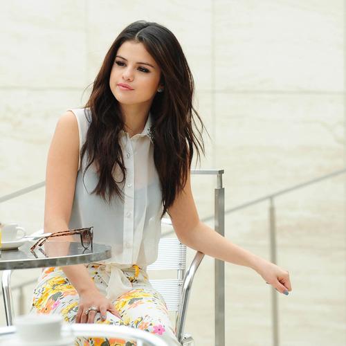 Gomez Out Bags Selena Dream Loud Hand
