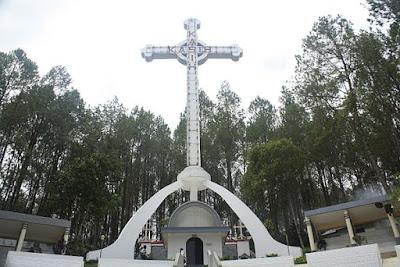 Wisata Religi Salib Kasih