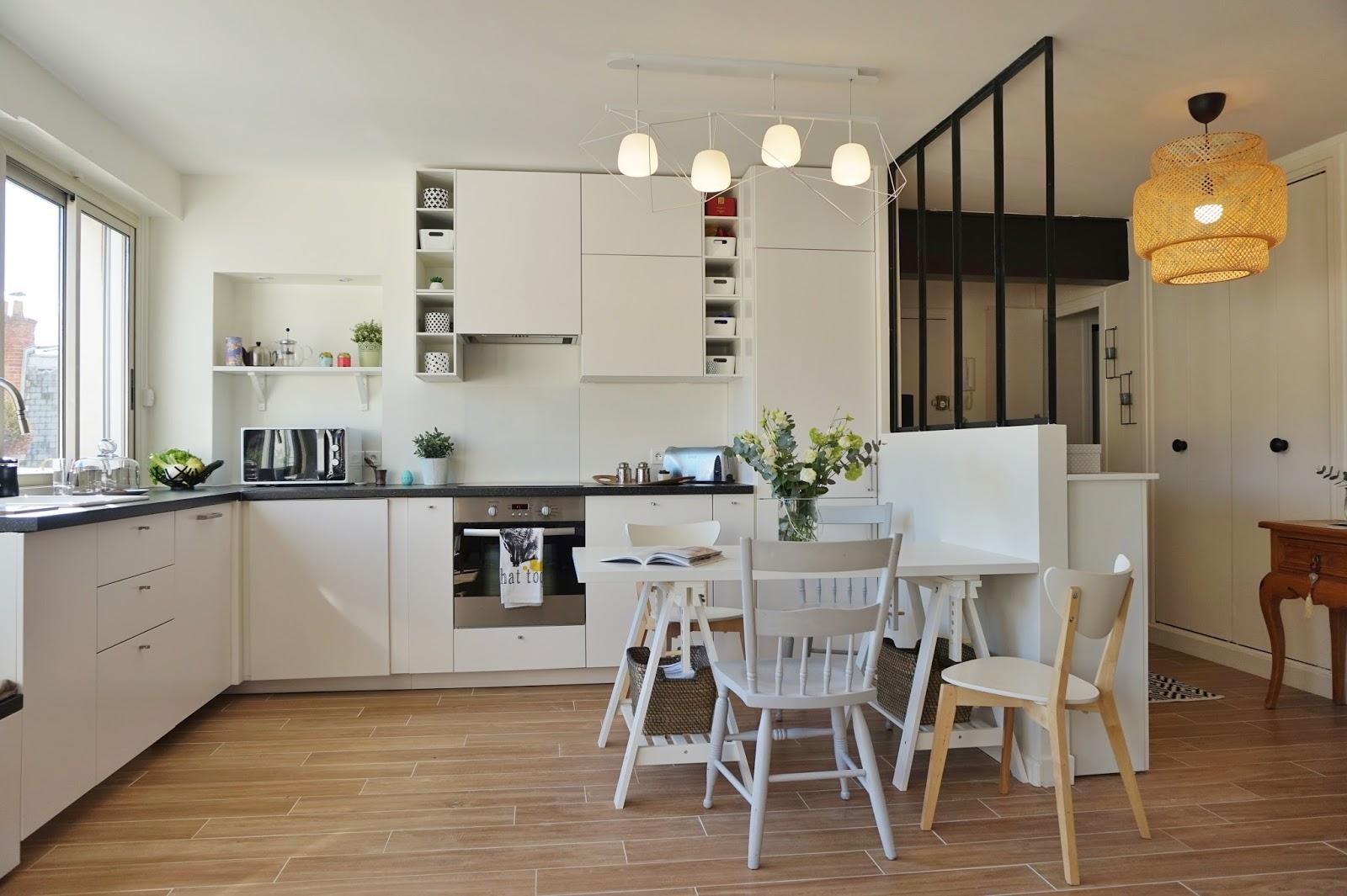 Table de cuisine pour petit espace finest amazing petite for Table de salle a manger pour petit espace