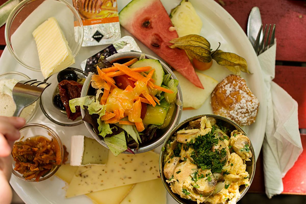 Frukost, eller frühstück, från Bar Gagarin i Berlin.