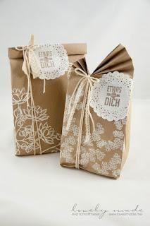 carta da imballaggio per incartare i regali di natale