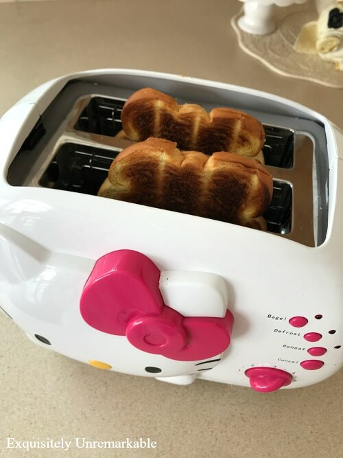 Hello Kitty Toaster With Toast