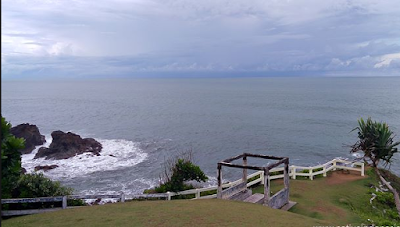 Pantai Karang Tawulan Tasikmalaya