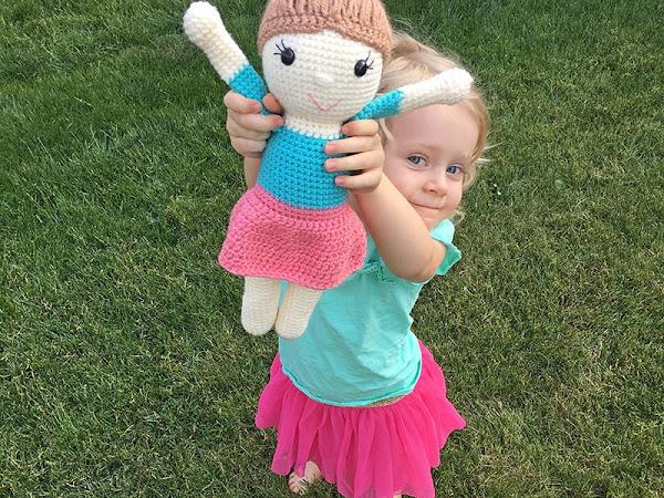 Amy the Amigurumi Doll - A Free Crochet-A-Long