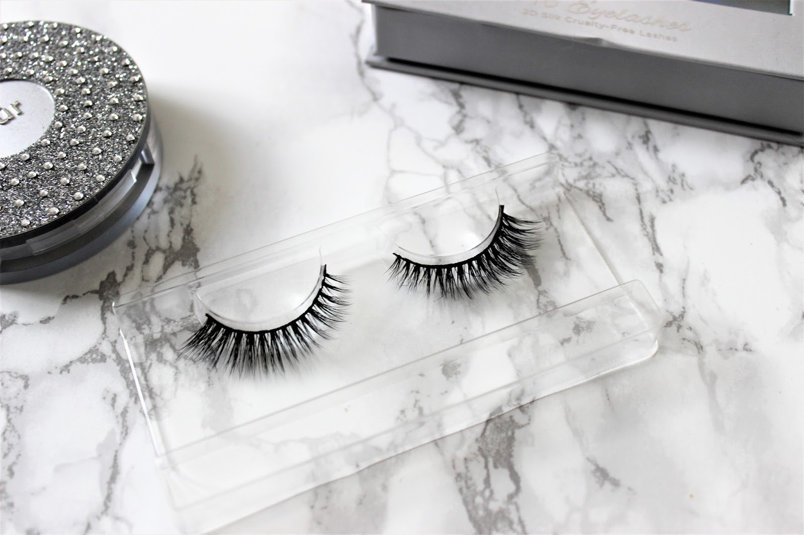 Socialite Lashes Review