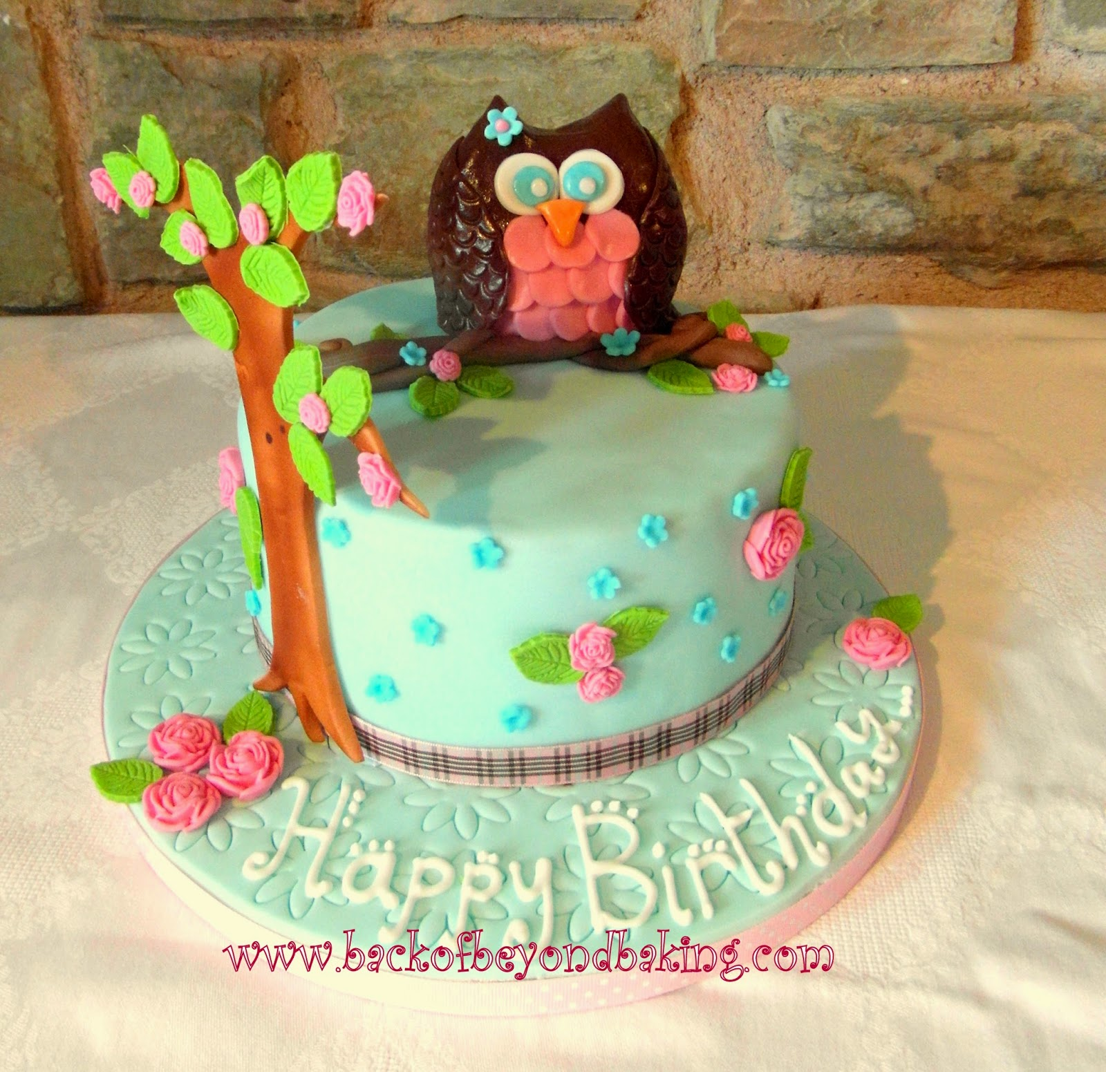Girly owl cake