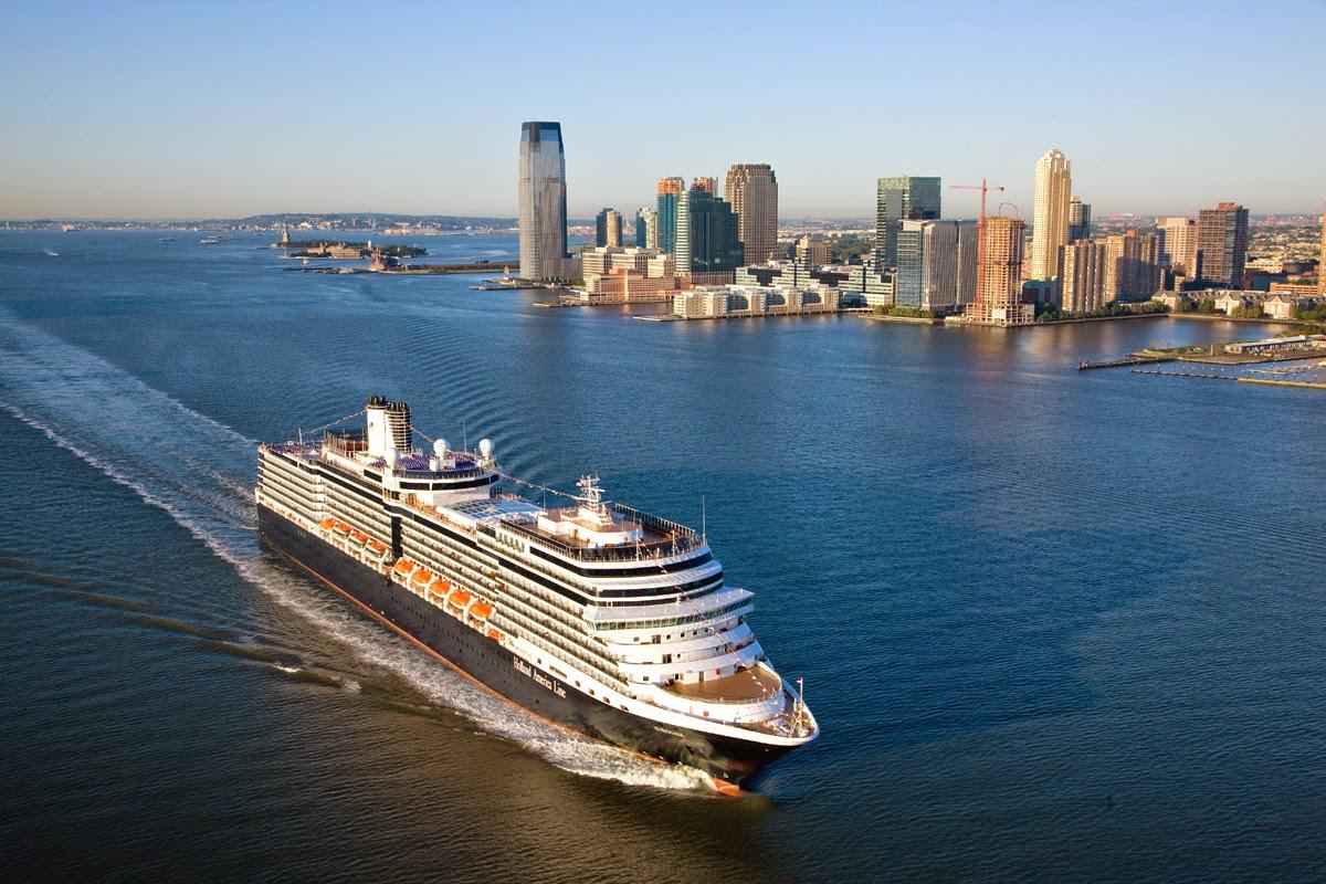 Lowongan Kerja Di Kapal Pesiar Holland America Line Hal