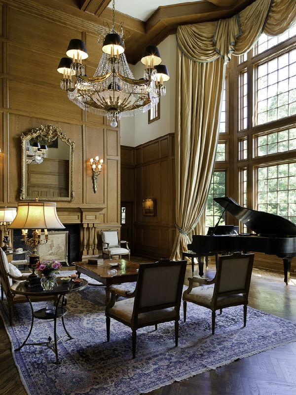 Old world gothic and victorian interior design for Classic uk house music