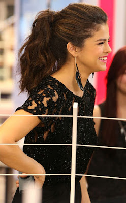 Teen Celebrity Selena Gomez Hairstyles