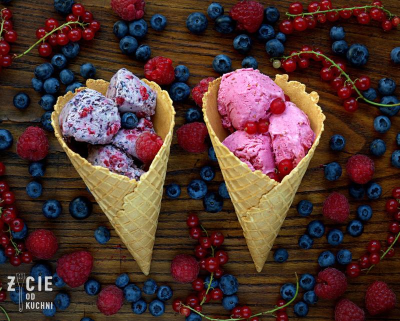 lody owocowe, lody domowe, jak zrobic lody, porzeczki, deser, deser lodowy, deser z porzeczkami, przepisy sezonowe, lipiec, lubie lody, lody w rozku, rozek z lodami, sezonowo, zycie od kuchni