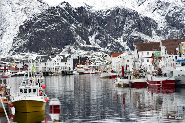 Islas Lofoten, puerto de Henningsvaer por El Guisante Verde Project