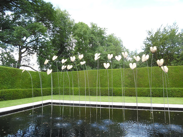 Water Garden, nowoczesna fontanna