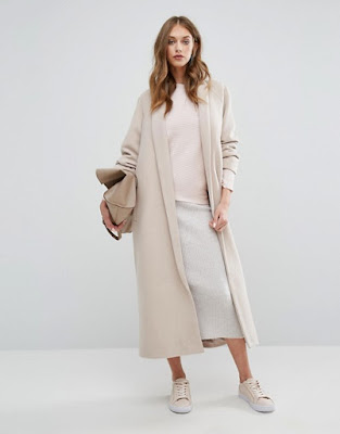 http://www.asos.fr/missguided/missguided-manteau-long-style-peignoir-a-col-chale/prd/7194426?iid=7194426&clr=Taupe&cid=11893&pgesize=36&pge=0&totalstyles=472&gridsize=4&gridrow=9&gridcolumn=1
