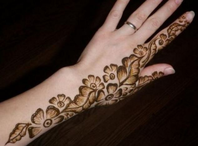 Floral Henna Designs: 15 Latest Floral Henna Mehndi Designs For Hands