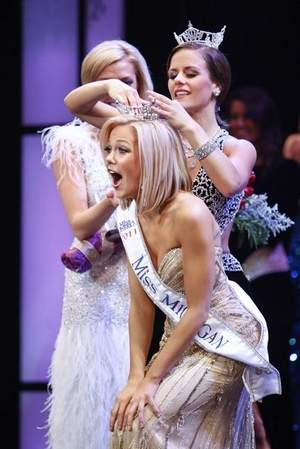 Elizabeth Wertenberger was crowned Miss Michigan 2011