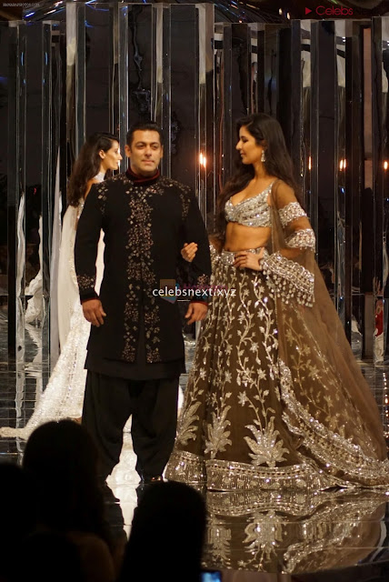 Katirna Kaif with Salman Khan Looking stunning in a Deep neck Cholil    Exclusive Pics 001.JPG