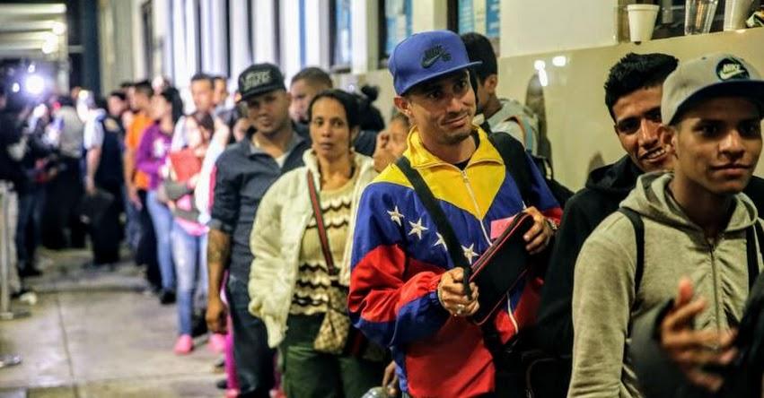 Desde hoy venezolanos solo podrán ingresar al Perú con pasaporte (RES. N° 000270-2018) www.migraciones.gob.pe