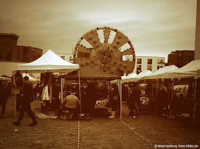 Flohmarkt an der Trude beim Museum der Arbeit in Hamburg