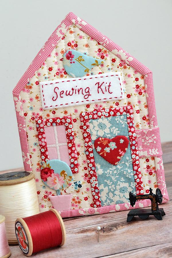 Down Grapevine Lane: Tilda sewing kit house