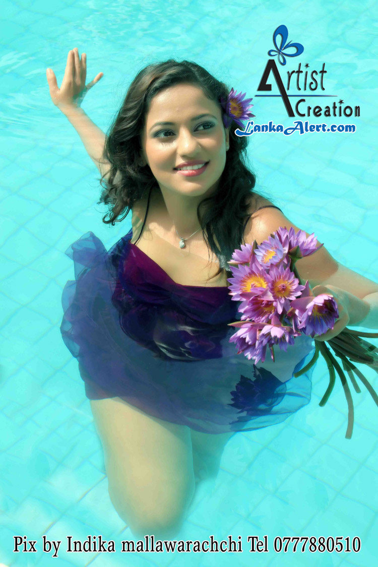 Udari Warnakulasooriya - Underwater Hot Photo ShootUdari Warnakulasooriya Bikini With Underwater