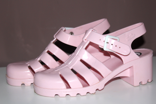 SHOE OF THE SEASON // JELLIES