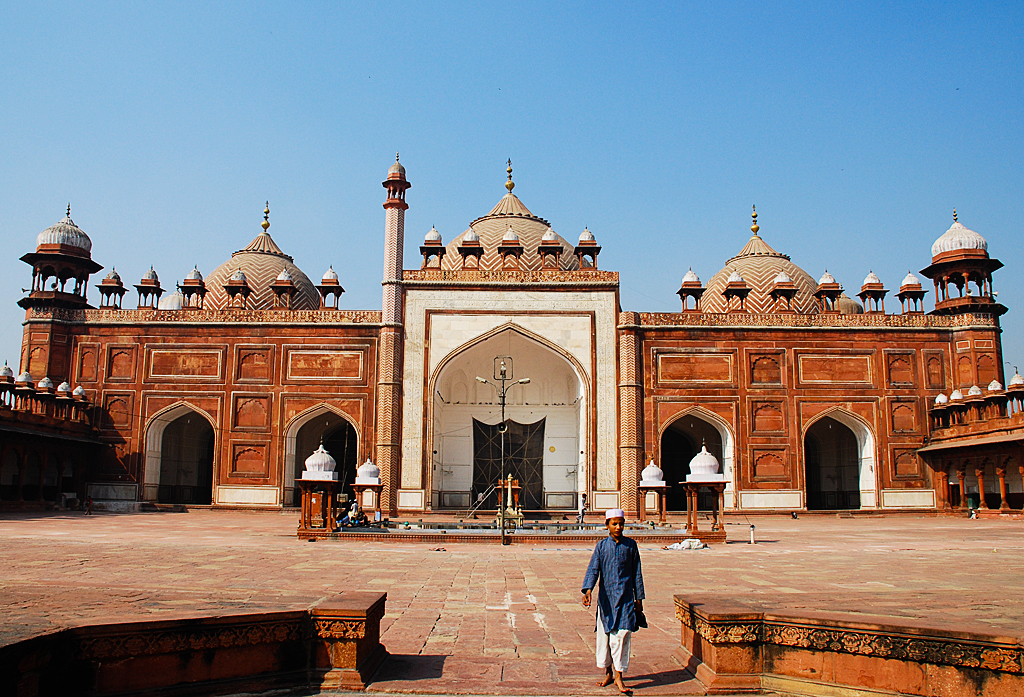 Agra Tourist Attractions - Taj Mahal ~ India Pilgrimage ...