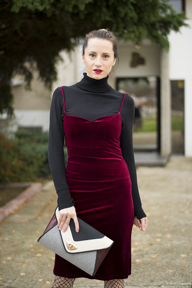 Wine Red Spaghetti Straps Velvet Dress Fishnet Stockings
